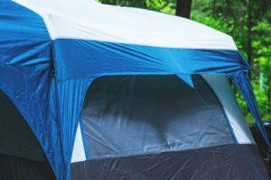 Das Zelt vor Regen und Nässe schützen – so geht's